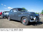 "Купить «Автомобиль ""Volvo B18"" на параде ретроавтомобилей. Керимяки, Финляндия», фото № 12997061, снято 6 июня 2015 г. (c) Виктор Карасев / Фотобанк Лори"
