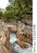 Ущелье Гуам, бурная река среди отвесных скал. Стоковое фото, фотограф Игорь Яковлев / Фотобанк Лори