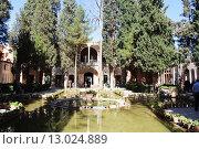 Купить «Вид на сад в мавзолее Махан. Иран. Ближний Восток. Азия», фото № 13024889, снято 11 августа 2015 г. (c) Денис Козлов / Фотобанк Лори