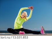 Купить «woman doing sports outdoors», фото № 13031853, снято 19 июня 2013 г. (c) Syda Productions / Фотобанк Лори