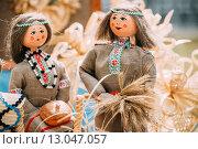 Белорусские соломенные куклы, сувениры из Беларуси. Стоковое фото, фотограф g.bruev / Фотобанк Лори
