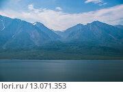 Дикий берег с горами и лесами. Стоковое фото, фотограф Алексей Стрелюк / Фотобанк Лори