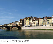 Купить «Florence - buildings along the Arno River», фото № 13087021, снято 16 декабря 2018 г. (c) PantherMedia / Фотобанк Лори
