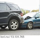 Купить «Car crash accident on street», фото № 13131765, снято 28 августа 2014 г. (c) Дмитрий Калиновский / Фотобанк Лори