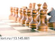 Купить «Шахматные фигуры на доске», фото № 13145881, снято 23 ноября 2015 г. (c) Валерий Боярский / Фотобанк Лори