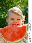 Купить «Eating watermelon», фото № 13185413, снято 19 марта 2019 г. (c) age Fotostock / Фотобанк Лори
