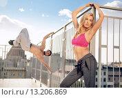 Купить «Portrait of the strong guy and his fit girlfriend», фото № 13206869, снято 6 сентября 2014 г. (c) Ingram Publishing / Фотобанк Лори