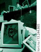 Купить «Smashed Computer Monitors», фото № 13244865, снято 22 марта 2019 г. (c) age Fotostock / Фотобанк Лори