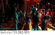 Ежедневная детская дискотека в вечернее время. Отель Alf Leila Wa Leila spa (1001 Nights). Хургада, Египет (2015 год). Редакционное видео, видеограф Кекяляйнен Андрей / Фотобанк Лори