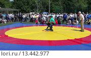 Купить «Татарская национальная борьба на поясах Куреш», видеоролик № 13442977, снято 22 марта 2019 г. (c) FotograFF / Фотобанк Лори