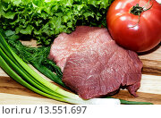 Свежее мясо и овощи. Стоковое фото, фотограф Sergey Borisov / Фотобанк Лори