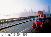 Купить «Westminster Bridge, London, England, UK», фото № 13594893, снято 25 мая 2019 г. (c) age Fotostock / Фотобанк Лори
