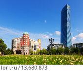 Artklass building and Iberdrola Tower (2015 год). Редакционное фото, фотограф Яков Филимонов / Фотобанк Лори