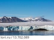 Negribreen (Negri Glacier), Olav V Land, Spitsbergen, Svalbard Archipelago, Norway, Scandinavia, Europe. Стоковое фото, фотограф Michael Nolan / age Fotostock / Фотобанк Лори