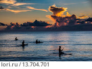 Купить «Surfer at sunset in Guam, US Territory, Central Pacific, Pacific», фото № 13704701, снято 17 февраля 2018 г. (c) age Fotostock / Фотобанк Лори