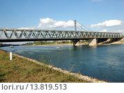 Купить «water river bridge shore bank», фото № 13819513, снято 27 мая 2019 г. (c) PantherMedia / Фотобанк Лори