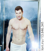 Купить «Man in spa», фото № 13846341, снято 27 апреля 2010 г. (c) age Fotostock / Фотобанк Лори