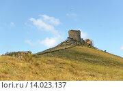 Купить «Руины генуэзской крепости Чембало в Балаклаве. Крым.», фото № 14023137, снято 16 июля 2015 г. (c) Ивашков Александр / Фотобанк Лори