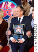 Купить «Kiefer Sutherland - Hollywood/California/United States - KIEFER SUTHERLAND RECIEVES THE 2,377TH STAR ON THE HOLLYWOOD WALK OF FAME», фото № 14039533, снято 9 декабря 2008 г. (c) age Fotostock / Фотобанк Лори