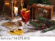 Глинтвейн с корицей и апельсином. Стоковое фото, фотограф Марина Володько / Фотобанк Лори