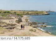 Купить «Пляж рядом с Херсонесом», фото № 14175685, снято 16 июля 2015 г. (c) Ивашков Александр / Фотобанк Лори