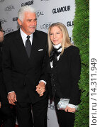 Купить «Barbara Streisand and James Brolin - New York/New York/USA - 23RD ANNUAL GLAMOUR MAGAZINE 2013 WOMEN OF THE YEAR GALA», фото № 14311949, снято 11 ноября 2013 г. (c) age Fotostock / Фотобанк Лори