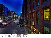 Купить «Light display, pedestrian bridge, KIBBELSTEG, Sandtorkai, Hafencity, Hanseatic City of Hamburg, Germany, Europe», фото № 14353177, снято 3 июля 2009 г. (c) age Fotostock / Фотобанк Лори