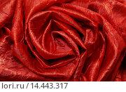 Купить «Красная ткань», эксклюзивное фото № 14443317, снято 23 октября 2012 г. (c) Blekcat / Фотобанк Лори