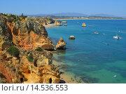 Пляж Дона Анна, Португалия. Стоковое фото, фотограф Калинина Наталья / Фотобанк Лори