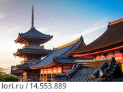 Купить «Kiomizu Dera Temple, one of the most important in Kyoto», фото № 14553889, снято 28 октября 2013 г. (c) age Fotostock / Фотобанк Лори