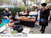 Купить «France, Ile-de-France, Paris, Nation Square flea market», фото № 14689325, снято 24 ноября 2013 г. (c) age Fotostock / Фотобанк Лори
