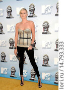 Купить «Charlize Theron (wearing a Proenza Schouler bustier and Roger Vivier shoes) at arrivals for 2008 MTV Movie Awards, Gibson Amphitheatre in Universal City...», фото № 14793333, снято 1 июня 2008 г. (c) age Fotostock / Фотобанк Лори