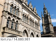 Купить «Front façade of the Glasgow Stock Exchange building and the spire of the Tron Church, Nelson Mandela Square, Glasgow, Strathclyde, Scotland, UK.», фото № 14880981, снято 21 марта 2018 г. (c) age Fotostock / Фотобанк Лори