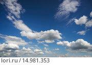 Купить «Белокрылые облака на небе», фото № 14981353, снято 22 июня 2015 г. (c) Алексей Маринченко / Фотобанк Лори