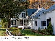 Купить «Calvin Coolidge Honestead house and portch, Plymouth Notch, Vermont, USA.», фото № 14986281, снято 9 октября 2013 г. (c) age Fotostock / Фотобанк Лори