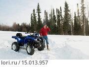 Купить «Man on ATV with smart phone in Fairbanks, Interior Alaska, Winter», фото № 15013957, снято 16 февраля 2019 г. (c) age Fotostock / Фотобанк Лори