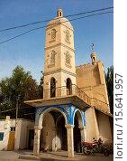Купить «Entrance Of A Mosque, Minfeng, Xinjiang Uyghur Autonomous Region, China», фото № 15641957, снято 18 сентября 2012 г. (c) age Fotostock / Фотобанк Лори