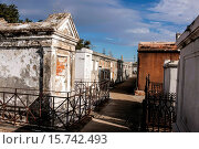 Купить «The above ground tombs of people in St. Louis Cemetery No.1 in New Orleans LA.», фото № 15742493, снято 26 декабря 2014 г. (c) age Fotostock / Фотобанк Лори