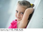 Купить «Small girl posing as a model in a garden», фото № 15798525, снято 12 августа 2013 г. (c) age Fotostock / Фотобанк Лори