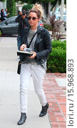 Купить «Ashley Tisdale takes her lunch to go on Melrose Place Featuring: Ashley Tisdale Where: Los Angeles, California, United States When: 19 Dec 2014 Credit: revolutionpix/WENN.com», фото № 15968893, снято 19 декабря 2014 г. (c) age Fotostock / Фотобанк Лори