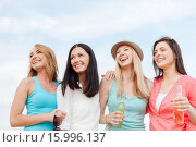 Купить «girls with drinks on the beach», фото № 15996137, снято 4 июля 2013 г. (c) Syda Productions / Фотобанк Лори