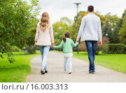 Купить «happy family walking in summer park», фото № 16003313, снято 20 сентября 2015 г. (c) Syda Productions / Фотобанк Лори