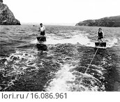 Купить «San Francisco, California: August 24, 1923.A couple brave the chilly waters of San Francisco Bay for a high speed dual aquaplane ride.», фото № 16086961, снято 15 октября 2018 г. (c) age Fotostock / Фотобанк Лори