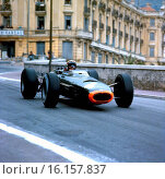Jackie Stewart in a BRM P261 at the Monaco Grand Prix, 30 May 1965. Стоковое фото, фотограф GP Library \ UIG / age Fotostock / Фотобанк Лори