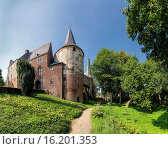 Купить «Netherlands, Europe, Holland, Horn, Limburg, castle, forest, wood, trees, summer, garden, Horn castle», фото № 16201353, снято 5 августа 2014 г. (c) age Fotostock / Фотобанк Лори