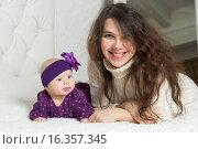 Женщина и ребенок. Стоковое фото, фотограф Алексей Чубов / Фотобанк Лори