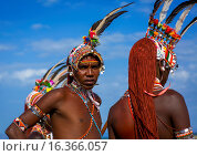 Купить «Rendille Warriors With Long Braided Hair, Turkana Lake, Loiyangalani, Kenya.», фото № 16366057, снято 13 июня 2014 г. (c) age Fotostock / Фотобанк Лори