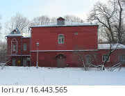 Купить «Городская клиническая больница № 5. Улица Стромынка, 7. Москва», эксклюзивное фото № 16443565, снято 22 января 2014 г. (c) lana1501 / Фотобанк Лори