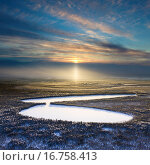 Forest lake during a winter sunset, top view. Стоковое фото, фотограф Владимир Мельников / Фотобанк Лори