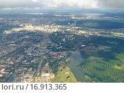 Купить «Вид на Екатеринбург с высоты птичьего полета», фото № 16913365, снято 19 августа 2018 г. (c) Зезелина Марина / Фотобанк Лори